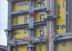 Låsene på betongveggen skal løsnes på lørdag.